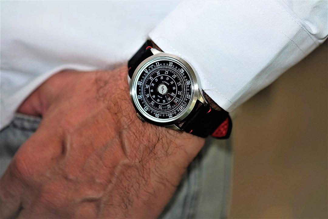 トリフォグリオの時計